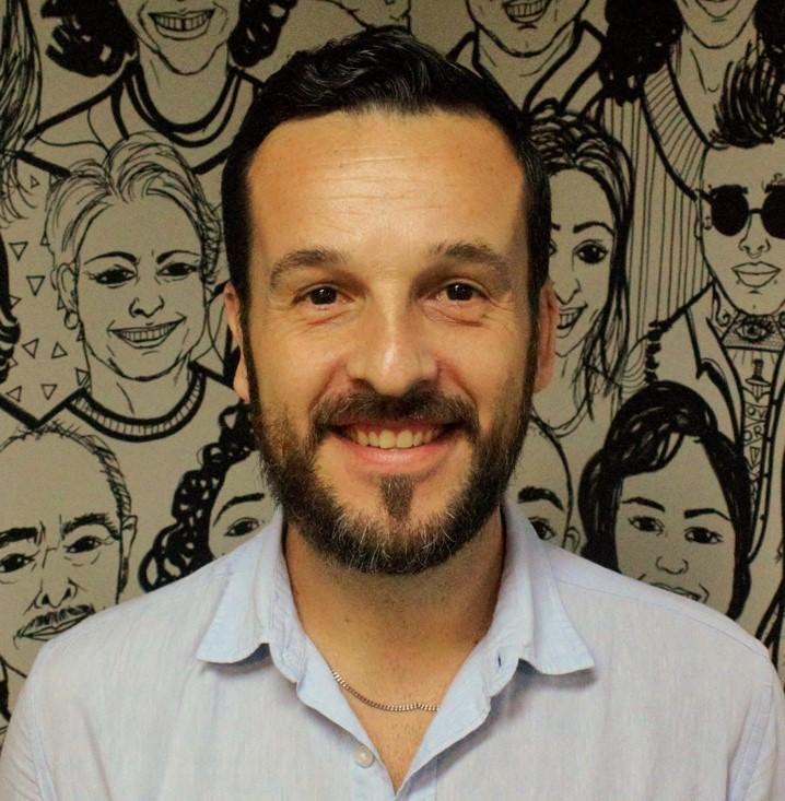 foto de rafael midea, homem branco de barba, somente o rosto