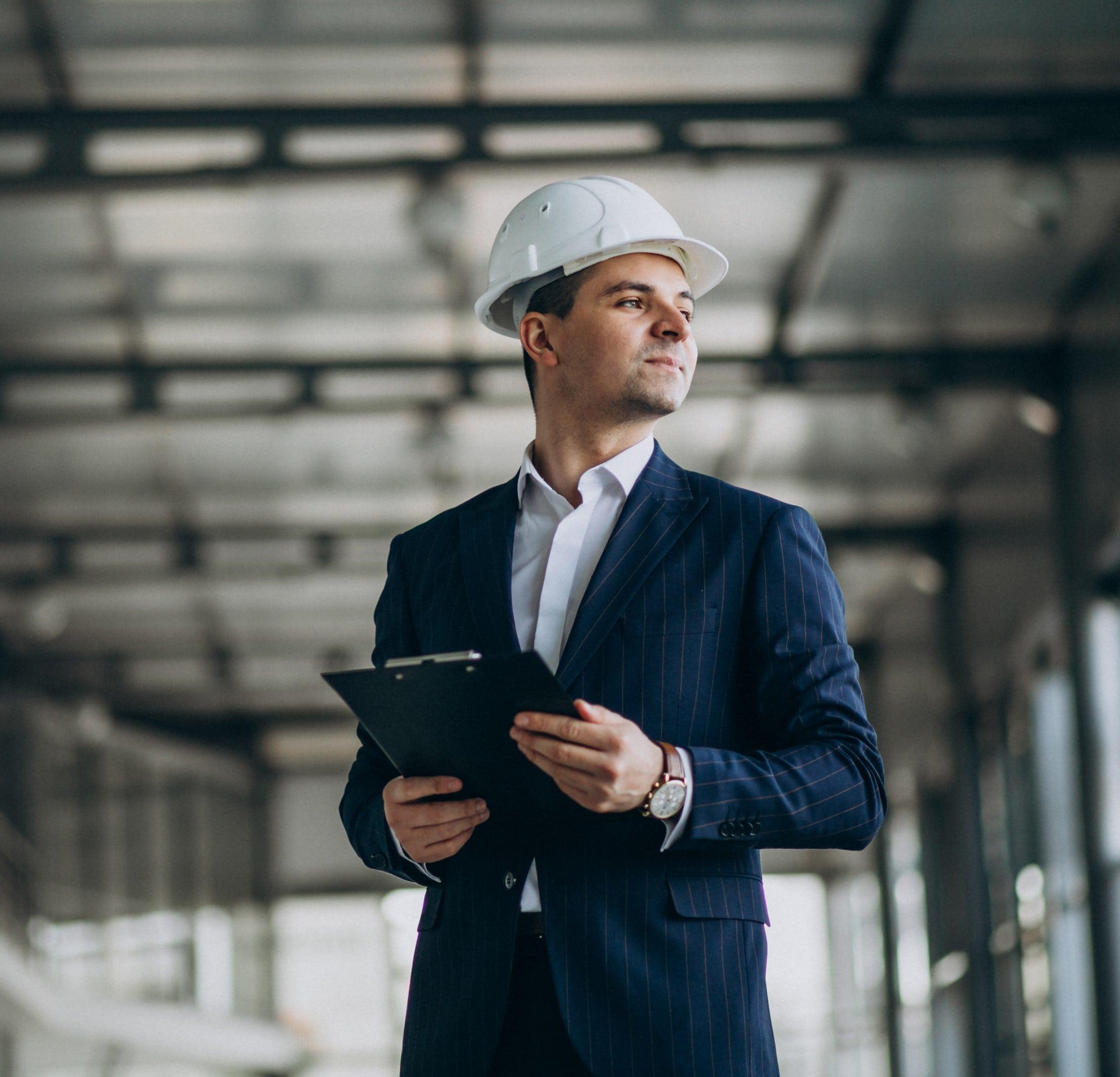 engenheiro-negócios-análise-confiante