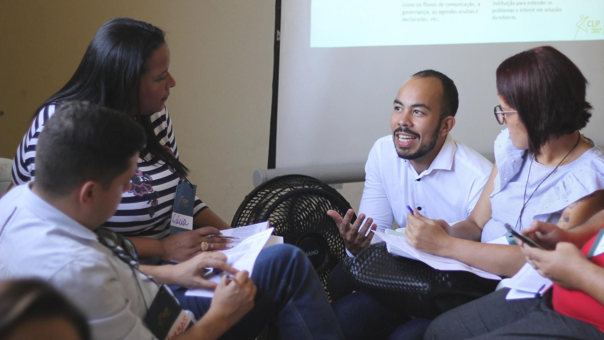 Conexão Pública ensinando como ter equipes engajadas nas prefeituras.