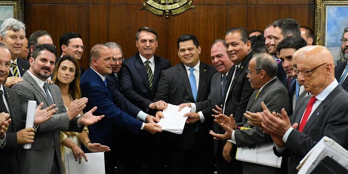 Governo apresenta pacote de medidas que propõe maior reforma do estado em décadas